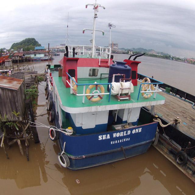 Armada Pengangkutan Kapal Berkapasitas 120.000 liter